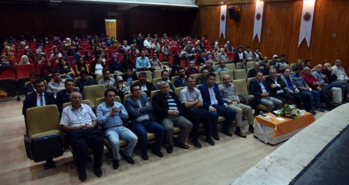 Ensar Vakfı ve Afyon Belediyesi işbirliğinde15 Temmuz Darbe Teşebbüsü ve Türkiye Demokrasisi Paneli yapıldı