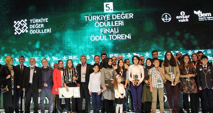 5. Türkiye Değer Ödülleri Final programında öğrenciler buluştu