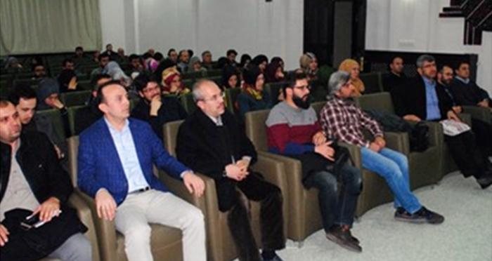 """Ensar Vakfı işbirliği ile Bursa'da Doç. Dr. Kasım Küçükalp'ten """"Kişi Nasıl Kendi Olur?"""" başlıklı konferans"""
