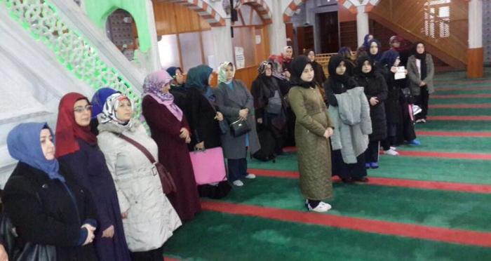 'Anne Kız Camii Buluşması' etkinlikleri Ensar Vakfı Ümraniye Şubesi ve Ümraniye Müftülüğü'nün katkıları ile başladı
