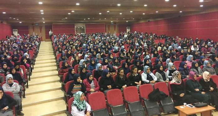 Ümraniye Ensar Vakfı'ndan öğrencilere 'Mekteb-i Zarâfet' eğitim seminerleri başladı