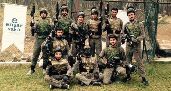 Ensar Vakfı erkek yurdu öğrencileri Manisa'da kış kampına katıldılar
