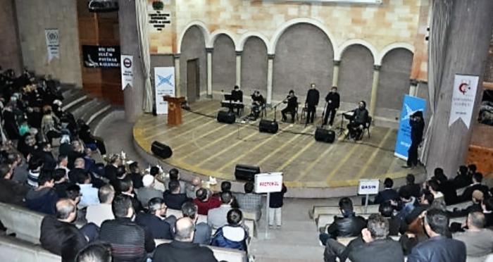 Nevşehir'de gençlere 28 Şubat'ı hatırlatan Grup Genç konseri