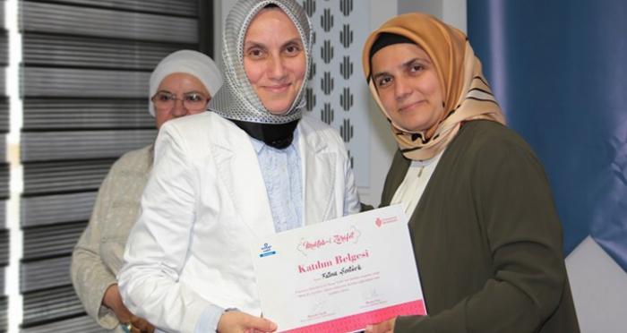 Mekteb-i Zarâfet öğrencileri sertifikalarını aldı