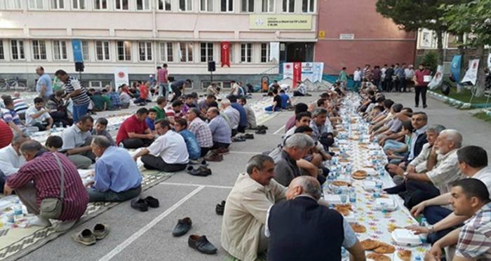 STK'lar iftar'da buluşmaya devam ediyor
