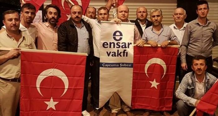 Ensar Vakfı Çaycuma'da Türk Bayrağı dağıttı