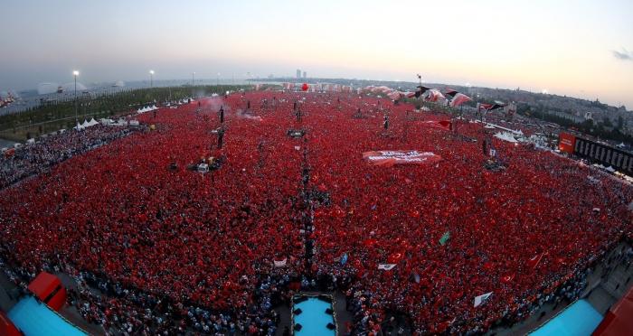 Devlet, Hükümet, Muhalefet ve Millet 'Demokrasi ve Şehitler Mitingi'nde buluştu!