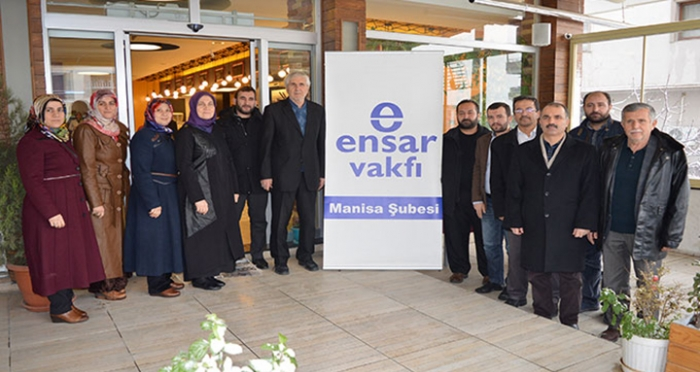 Ensar Vakfı Manisa Şubesi Yönetim Kurulu Üyeleri sabah kahvaltısında bir araya geldi.