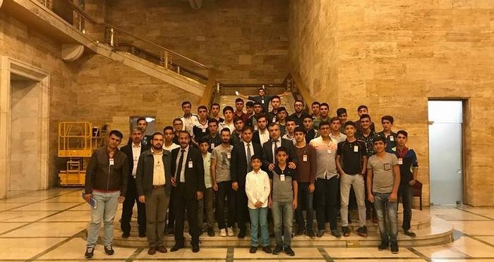 Ensar Vakfı Siirt Şubesi, İmam Hatipli öğrencileri Gazi Meclis'e gönderdi.