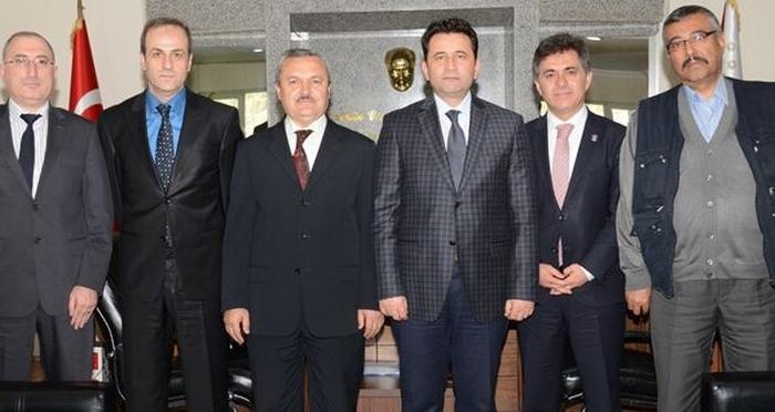 Ensar Vakfı Kırıkkale Şubesi, Kırıkkale Emniyet Müdürü Hasan Onar'ı ziyaret etti