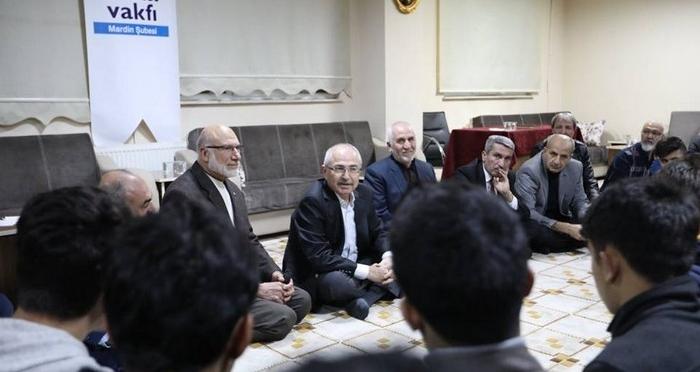 Mardin Valisi Gençlerle Bir Araya Geldi