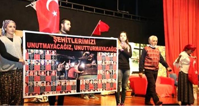 Ensar Vakfı Erdek Şubesinden 'Benim Adım Türkiye' tiyatro gösterisi organizasyonu