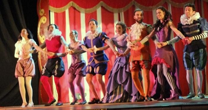 Ensar Vakfı, Dünya Tiyatro Günü nedeniyle Ataşehir'deki ilkokul ve ortaokul öğrencilerini tiyatro ile buluşturdu