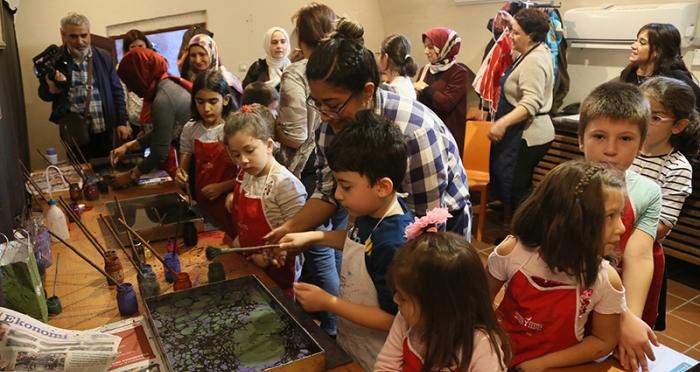 Çocuklarla 1 Günlük Ebru Atölyesi Düzenlendi