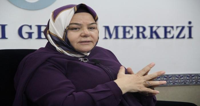 DEM Öğretmen Akademisi Eğitim Söyleşilerinin Konuğu Prof. Dr. Ayşen Gürcan'dı.
