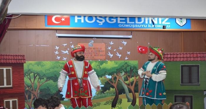 Ensar Vakfı Eyüpsultan Şubesi'nden Tiyatro Gösterisi: 'Hacivat Karagöz Su Tasarrufu ve Adap Öğreniyor'