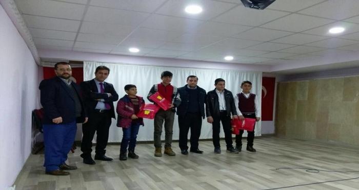 Ensar Vakfı Bitlis Şubesinden Öğrencilere Hediye