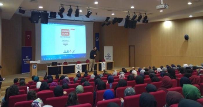 Ensar Vakfı Trabzon Şubesinden Bir Günde İki Ayrı Konferans