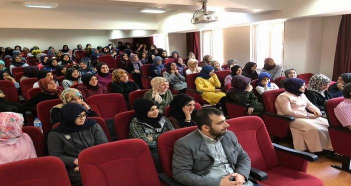 Ensar Vakfı Gaziantep Şubesi'nden 'Kariyer Zirvesi' Programı