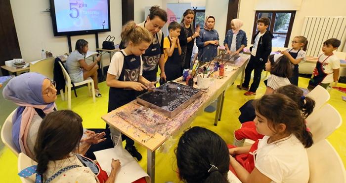 Çocuklarla 5 Gün 5 Tasarım Atölyesi 'Ebru Atölyesi'