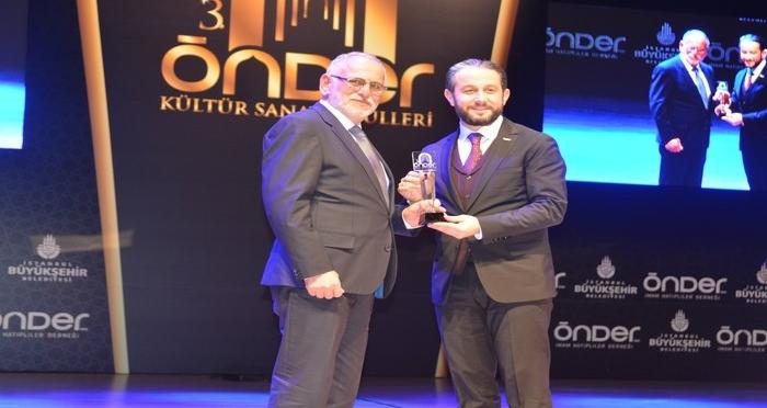 İstanbul Tasarım Merkezi Yılın Kültür Sanat STK'sı seçildi.
