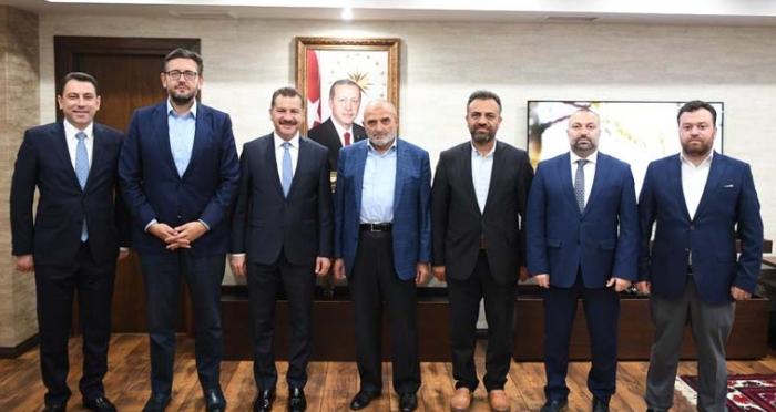 Ensar Vakfı'ndan Balıkesir Büyükşehir  Belediye Başkanı'na Ziyaret