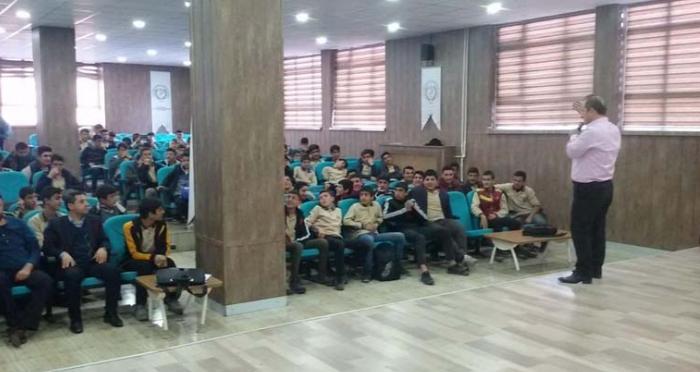 Ensar Vakfı Bitlis Şubesi ''Hatırla ve Hayal Et'' Konferansı Gerçekleştirdi