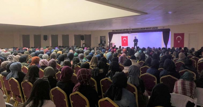 Sakarya'da Stand-up Gösterisi Düzenlendi