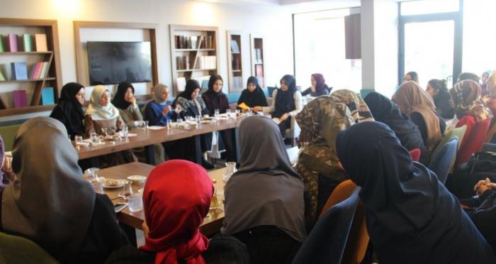 Ali Fuad Başgil Kitap Kahve'de Şiir Dinletisi Programı Gerçekleşti