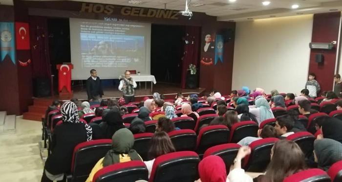 Ensar Vakfı Malatya Şubesi Öğrencilere Motivasyon Konferansı Düzenledi
