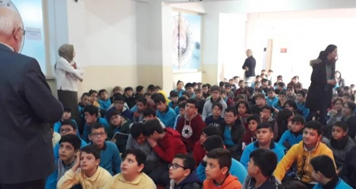 Ensar Vakfı İzmir Şubesi 'Ahlaklı Olmanın Faziletleri' Konulu Seminer Programları Gerçekleştirdi