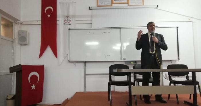 Güçlükonak'ta 'Değerler Eğitimi ve Gençlik' Konferansı Düzenlendi