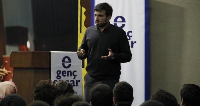 Türkiye Teknoloji Takımı Vakfı (T3 Vakfı) Mütevelli Heyeti Başkanı Selçuk Bayraktar Ensar Vakfı Genel Merkez'de Konuştu