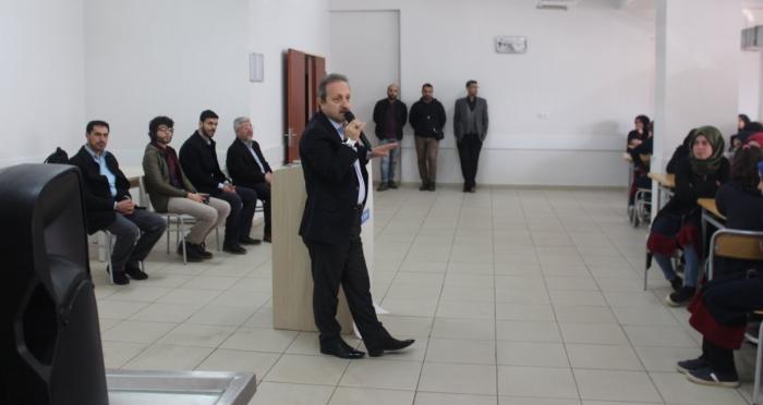 Ensar Vakfı Diyarbakır Şubesi, 'Medeniyetmizin Mimarları' Adlı Konferans Düzenledi