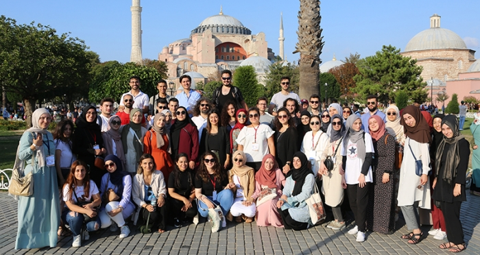 YTB Genç Liderler Katılımcıları İstanbul Tasarım Merkezi'nde