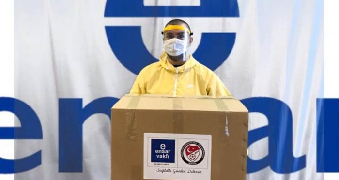 Ensar Vakfı Beykoz'dan Sağlık Çalışanlarına Siperlik Maske Desteği